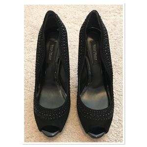 NWOB WHBM Black Beaded Peep Toe Pumps Size 6